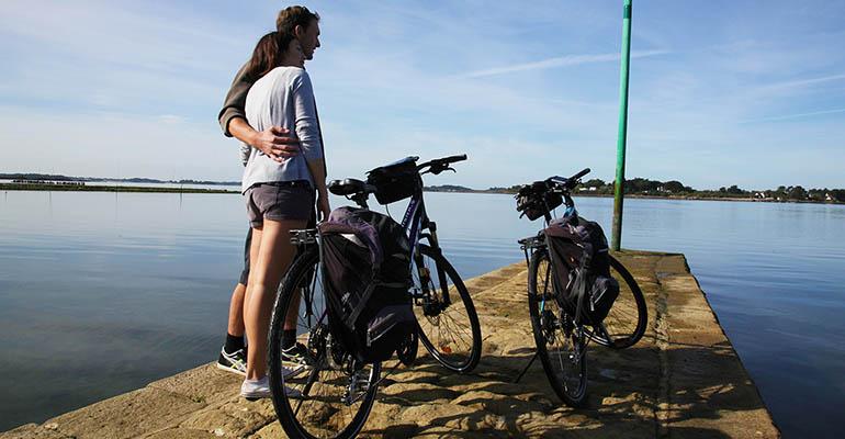 Balade à vélo dans le Morbihan - Crédit image : abicyclette-voyages.com